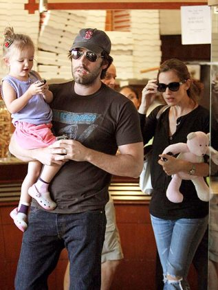 Jennifer Garner & Ben Affleck with their Patchwork Bear